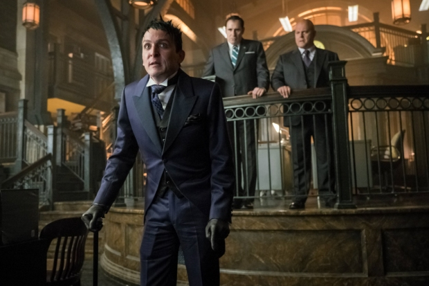 """GOTHAM: L-R: Robin Lord Taylor , guest star Richard Kind and  Michael Chiklis in the """"Mad City: Better to Reign in Hell…"""" season premiere episode of GOTHAM airing airing Monday, Sept. 19 (8:00-9:01 PM ET/PT) on FOX.  ©2015 Fox Broadcasting Co. Cr: Jeff Neumann/FOX."""