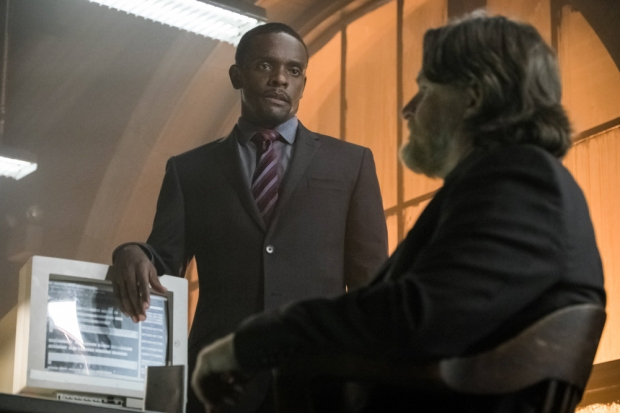 """GOTHAM: L-R: Chris Chalk and Donal Logue in the """"Mad City: Better to Reign in Hell…"""" season premiere episode of GOTHAM airing airing Monday, Sept. 19 (8:00-9:01 PM ET/PT) on FOX.  ©2015 Fox Broadcasting Co. Cr: Jeff Neumann/FOX."""