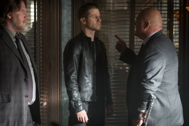 "GOTHAM: L-R: Donal Logue, Ben McKenzie, and Michael Chiklis in the ""Mad City: Better to Reign in Hell…"" season premiere episode of GOTHAM airing airing Monday, Sept. 19 (8:00-9:01 PM ET/PT) on FOX.  ©2015 Fox Broadcasting Co. Cr: Jeff Neumann/FOX."