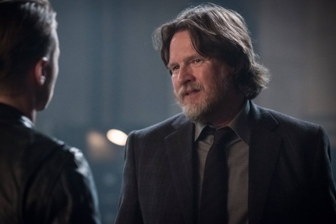 "GOTHAM: Donal Logue in the ""Mad City: Better to Reign in Hell…"" season premiere episode of GOTHAM airing airing Monday, Sept. 19 (8:00-9:01 PM ET/PT) on FOX.  ©2015 Fox Broadcasting Co. Cr: Jeff Neumann/FOX."