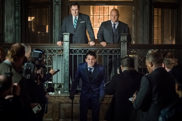 """GOTHAM: L-R: Guest star Richard Kind, Robin Lord Taylor and  Michael Chiklis in the """"Mad City: Better to Reign in Hell…"""" season premiere episode of GOTHAM airing airing Monday, Sept. 19 (8:00-9:01 PM ET/PT) on FOX.  ©2015 Fox Broadcasting Co. Cr: Jeff Neumann/FOX."""