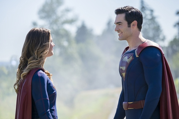 "Supergirl -- ""The Last Children of Krypton"" -- Image SPG202a_0019 -- Pictured (L-R): Melissa Benoist Kara/Supergirl and Tyler Hoechlin as Clark/Superman -- Photo: Robert Falconer/The CW -- © 2016 The CW Network, LLC. All Rights Reserved"