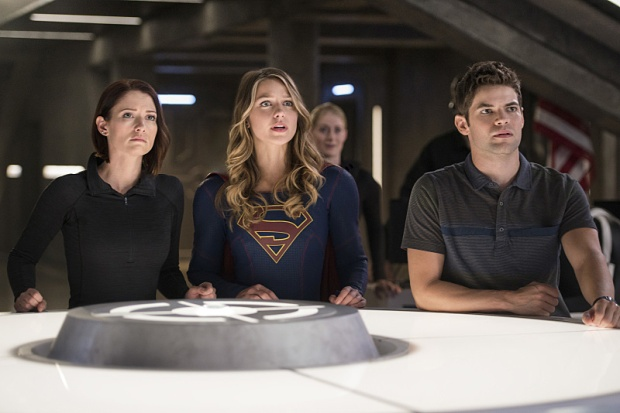 "Supergirl -- ""The Last Children of Krypton"" -- Image SPG202b_0308 -- Pictured (L-R): Chyler Leigh as Alex Danvers, Melissa Benoist Kara/Supergirl, and Jeremy Jordan as Winn Schott -- Photo: Diyah Pera/The CW -- © 2016 The CW Network, LLC. All Rights Reserved"
