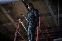 "Arrow -- ""A Matter Of Trust"" -- Image AR503A_0151b.jpg --- Pictured: Stephen Amell as Green Arrow -- Photo: Diyah Pera/The CW -- © 2016 The CW Network, LLC. All Rights Reserved."