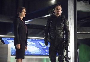 """Arrow -- """"Penance"""" -- Image AR504b_0311b.jpg -- Pictured (L-R): Audrey Marie Anderson as Lyla Michaels and Stephen Amell as Oliver Queen -- Photo: Dean Buscher/The CW -- © 2016 The CW Network, LLC. All Rights Reserved."""