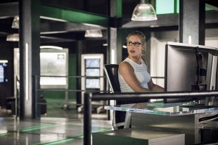 """Arrow -- """"Penance"""" -- Image AR504b_0287b.jpg -- Pictured: Emily Bett Rickards as Felicity Smoak -- Photo: Dean Buscher/The CW -- © 2016 The CW Network, LLC. All Rights Reserved."""