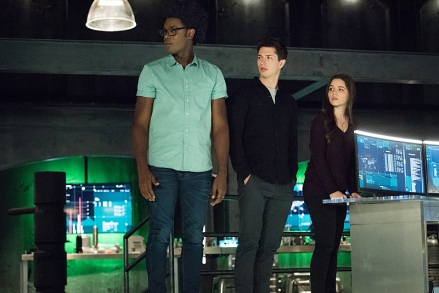 "Arrow -- ""Human Target"" -- Image AR505a_0205.jpg -- Pictured (L-R): Echo Kellum as Curtis Holt, Joe Dinicol as Rory Regan/Ragman, and Madison McLaughlin as Evelyn Sharp/Artemis -- Photo: Dean Buscher/The CW -- © 2016 The CW Network, LLC. All Rights Reserved."