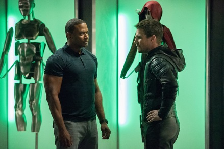 "Arrow -- ""Human Target"" -- Image AR505a_0004.jpg -- Pictured (L-R): David Ramsey as John Diggle and Stephen Amell as Oliver Queen/The Green Arrow -- Photo: Dean Buscher/The CW -- © 2016 The CW Network, LLC. All Rights Reserved."