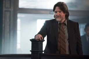 """GOTHAM: Donal Logue in the""""Mad City: Anything For You"""" episode of GOTHAM airing Monday, Oct. 17 (8:00-9:01 PM ET/PT) on FOX. ©2016 Fox Broadcasting Co. Cr: Jeff Neumann/FOX."""