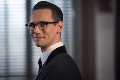 """GOTHAM: Cory Michael Smith in the""""Mad City: Anything For You"""" episode of GOTHAM airing Monday, Oct. 17 (8:00-9:01 PM ET/PT) on FOX. ©2016 Fox Broadcasting Co. Cr: Jeff Neumann/FOX."""