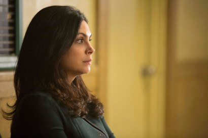 "GOTHAM: Morena Baccarin in the ""Mad City: Follow the White Rabbit"" episode of GOTHAM airing Monday, Oct. 24 (8:00-9:01 PM ET/PT) on FOX. ©2016 Fox Broadcasting Co. Cr: Jessica Miglio/FOX."