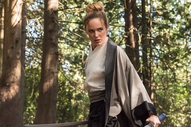 """DC's Legends of Tomorrow --""""Shogun""""-- Image LGN203b_0422.jpg -- Pictured: Caity Lotz as Sara Lance/White Canary -- Photo: Dean Buscher/The CW -- © 2016 The CW Network, LLC. All Rights Reserved."""