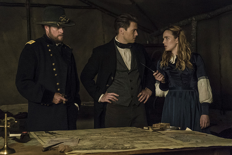 "DC's Legends of Tomorrow --""Abominations""-- Image LGN204b_0318.jpg -- Pictured (L-R): John Churchill as General Ulysses S. Grant, Nick Zano as Nate Heywood and Caity Lotz as Sara Lance/White Canary -- Photo: Katie Yu/The CW -- © 2016 The CW Network, LLC. All Rights Reserved."