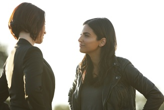 "Supergirl -- ""Welcome to Earth"" -- Image SPG203b_0160 -- Pictured (L-R): Chyler Leigh as Alex Danvers and Floriana Lima as Maggie Sawyer -- Photo: Bettina Strauss/The CW -- © 2016 The CW Network, LLC. All Rights Reserved"