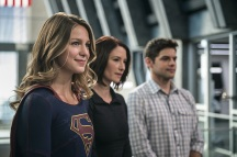 "Supergirl -- ""Welcome to Earth"" -- Image SPG203c_0059 -- Pictured (L-R): Melissa Benoist as Kara/Supergirl, Chyler Leigh as Alex Danvers, and Jeremy Jordan as Winn Schott -- Photo: Diyah Pera/The CW -- © 2016 The CW Network, LLC. All Rights Reserved"