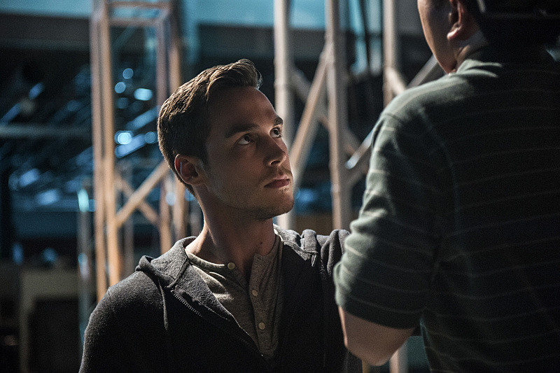 "Supergirl -- ""Welcome to Earth"" Pictured: Chris Wood as Mon-El -- Photo: Diyah Pera/The CW -- © 2016 The CW Network, LLC. All Rights Reserved"