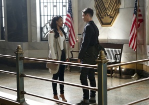 "The Flash -- ""Magenta"" -- Image: FLA303b_0005b.jpg -- Pictured (L-R) Candice Patton as Iris West and Grant Gustin as Barry Allen -- Photo: Bettina Strauss/The CW -- © 2016 The CW Network, LLC. All rights reserved."