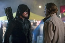 "Arrow -- ""So It Begins"" -- Image AR506b_0134b.jpg -- Pictured: Stephen Amell as Oliver Queen/The Green Arrow -- Photo: Katie Yu/The CW -- © 2016 The CW Network, LLC. All Rights Reserved."