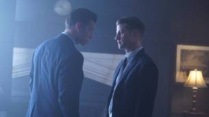 GOTHAM: L-R: Guest star James Carpinello and Ben McKenzie in the ÒMad City: Red QueenÓ episode of GOTHAM airing ÒMad City: Blood RushÓ episode of GOTHAM airing Monday, Nov. 7 (8:00-9:01 PM ET/PT) on FOX. Cr: Nicole Rivelli/FOX.