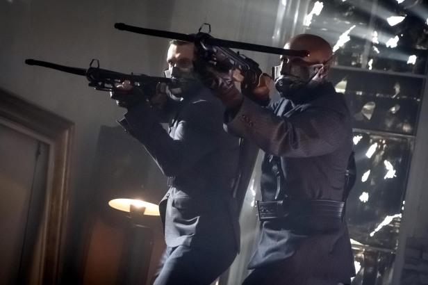 "GOTHAM: The ""Mad City: Executioner"" episode of GOTHAM airing Monday, Nov. 14 (8:00-9:01 PM ET/PT) on FOX. ©2016 Fox Broadcasting Co. Cr: Jeff Neumann/FOX"