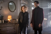 "GOTHAM: L-R: Camren Bicondova and David Mazouz in the ""Mad City: Executioner"" episode of GOTHAM airing Monday, Nov. 14 (8:00-9:01 PM ET/PT) on FOX. ©2016 Fox Broadcasting Co. Cr: Jeff Neumann/FOX"