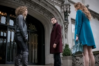"GOTHAM: L-R: Camren Bicondova, David Mazouz and guest star Maggie Geha in the ""Mad City: Executioner"" episode of GOTHAM airing Monday, Nov. 14 (8:00-9:01 PM ET/PT) on FOX. ©2016 Fox Broadcasting Co. Cr: Jeff Neumann/FOX"