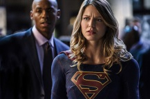 """Supergirl -- """"Crossfire"""" -- Image SPG205a_0217 -- Pictured (L-R): Mehcad Brooks as James Olsen and Melissa Benoist as Kara/Supergirl -- Photo: Robert Falconer /The CW -- © 2016 The CW Network, LLC. All Rights Reserved"""