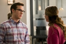 """Supergirl -- """"Crossfire"""" -- Image SPG205b_0323 -- Pictured (L-R): Chris Wood as Mike/Mon-El and Melissa Benoist as Kara - Photo: Robert Falconer /The CW -- © 2016 The CW Network, LLC. All Rights Reserved"""