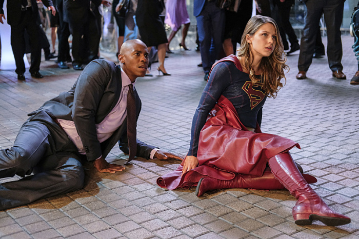 """Supergirl -- """"Crossfire"""" -- Image SPG205a_0147 -- Pictured (L-R): Mehcad Brooks as James Olsen and Melissa Benoist as Kara/Supergirl -- Photo: Robert Falconer /The CW -- © 2016 The CW Network, LLC. All Rights Reserved"""