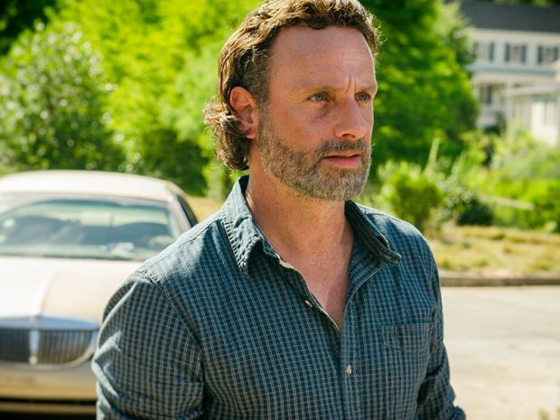 the-walking-dead_s07e04_services