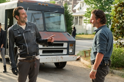 Andrew Lincoln as Rick Grimes, Jeffrey Dean Morgan as Negan - The Walking Dead _ Season 7, Episode 4 - Photo Credit: Gene Page/AMC