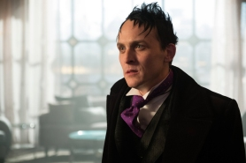 "GOTHAM: Robin Lord Taylor in the ""Mad City: Smile Like You Mean It"" episode of GOTHAM airing Monday, Jan. 23 (8:00-9:01 PM ET/PT) on FOX. Cr: Jessica Miglio/FOX."