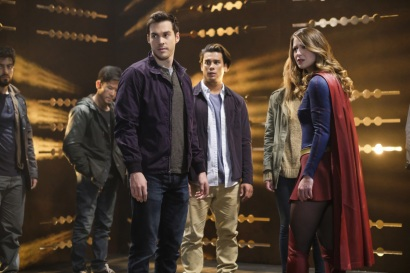 "Supergirl -- ""Supergirl Lives"" -- SPG209b_0032.jpg -- Pictured: (L-R) Chris Wood as Mike/Mon-El and Melissa Benoist as Kara/Supergirl -- Photo: Robert Falconer/The CW -- © 2017 The CW Network, LLC. All Rights Reserved"