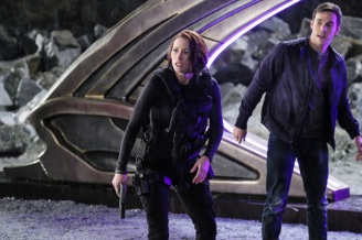 """Supergirl -- """"Supergirl Lives"""" -- Image SPG209a_0414.jpg -- Pictured (L-R): Chyler Leigh as Alex Danvers and Chris Wood as Mike/Mon-El -- Photo: Robert Falconer/The CW -- © 2017 The CW Network, LLC. All Rights Reserved"""