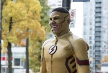 """The Flash -- """"Borrowing Problems from the Future"""" -- Image FLA310a_0117b.jpg -- Pictured: Keiynan Lonsdale as Kid Flash -- Photo: Katie Yu/The CW -- © 2016 The CW Network, LLC. All rights reserved."""